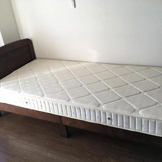 シングルベッド(シングルベッド)