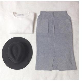 ダズリン(dazzlin)の【美品】ダズリン ニットタイトスカート(ひざ丈スカート)
