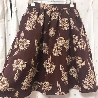 ダズリン(dazzlin)の花柄スカート(ひざ丈スカート)