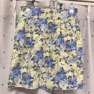 ナイスクラップ(NICE CLAUP)の花柄スカート(ミニスカート)