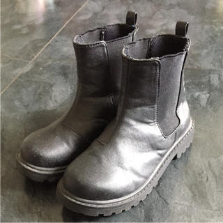 ジーユー(GU)のGU 20センチ 黒ショートブーツ(ブーツ)