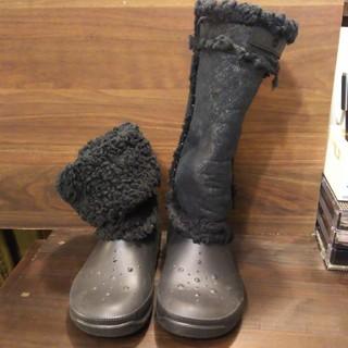 クロックス(crocs)のクロックス crocs ムートン ボアブーツ W6 黒(ブーツ)