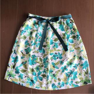 ギャラリービスコンティ(GALLERY VISCONTI)のギャラリービスコンティの花柄スカート(ひざ丈スカート)