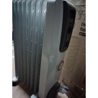 デロンギ(DeLonghi)の中古【デロンギ】H770812EFS【オイルヒーター】(オイルヒーター)