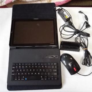 エヌティティドコモ(NTTdocomo)の富士通製 ドコモ タブレット 10.1インチ Bluetoothキーボード付き(タブレット)