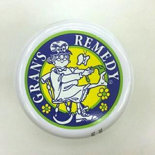 グランズレメディ(Gran's Remedy)のグランズレメディ 靴の消臭剤 50g 無香料 新品未開封(フットケア)