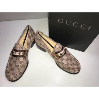 グッチ(Gucci)のグッチホースビットローファーローズブラウンシグネチャーGG柄キャンパス地6.5B(ローファー/革靴)