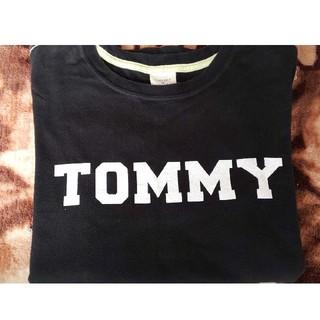 トミーガール(tommy girl)のトミーガール 黒ロゴTシャツ TOMMY (Tシャツ(半袖/袖なし))
