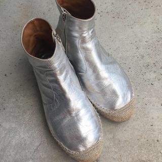 エムエムシックス(MM6)のMM6 MaisonMargiela boots silver シルバーブーツ(ブーツ)