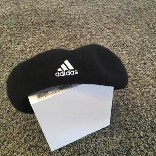 アディダス(adidas)のAdidas ベレー帽 57、5センチ(ハンチング/ベレー帽)