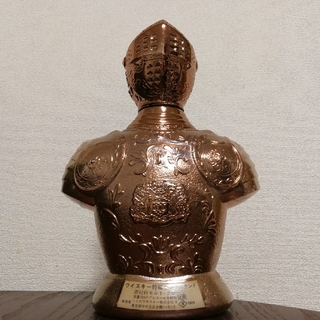 ニッカウイスキー(ニッカウヰスキー)のアーマーオブキング 鎧ボトル (空ボトル) ニッカ キングスランド 特級 従価(ウイスキー)