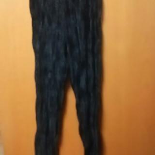 イッセイミヤケ(ISSEY MIYAKE)のイッセイミヤケ黒ベロアのパンツ(カジュアルパンツ)