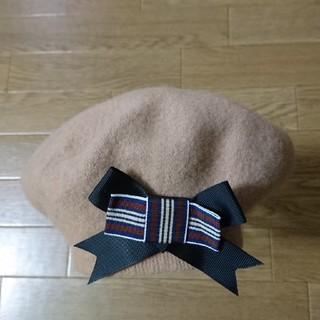 アースミュージックアンドエコロジー(earth music & ecology)の新品 アースミュージック&エコロジー リボンブローチ付きベレー帽(ハンチング/ベレー帽)