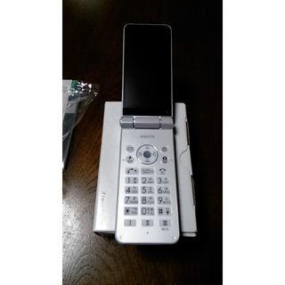 シャープ(SHARP)のSIMフリー 601SH 新品未使用 ホワイト ロック解除済 残債無(携帯電話本体)