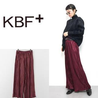 ケービーエフプラス(KBF+)の新品 KBF+ ベロアプリーツワイドパンツ(カジュアルパンツ)