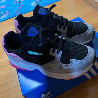 アディダス(adidas)のadidas ファルコン(スニーカー)
