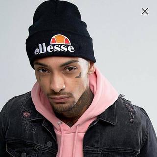 エレッセ(ellesse)のELLESSE(エレッセ)ブラック ロゴ ニットキャップ(ニット帽/ビーニー)