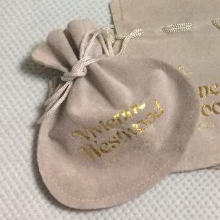 ヴィヴィアンウエストウッド(Vivienne Westwood)のヴィヴィアン 巾着ポーチ リボン(小物入れ)