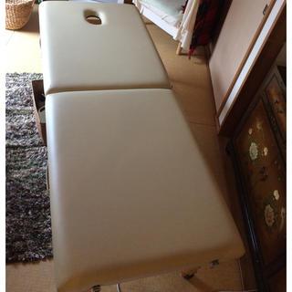 マッサージ エステ 折りたたみ 有孔 ベッド (簡易ベッド/折りたたみベッド)