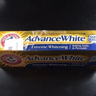 アーム&ハマー★アドバンスホワイト エクストリウムホワイトニング 121g (歯磨き粉)