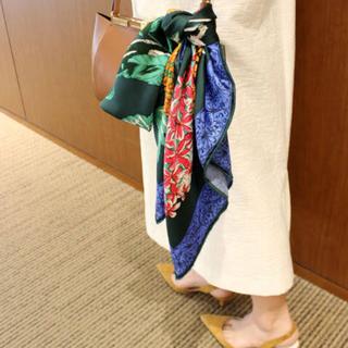 ビームス(BEAMS)のOggi12月号掲載 Manipuri シルク ハイドランジア スカーフ(バンダナ/スカーフ)