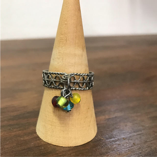 マライカ(MALAIKA)のアンティークガラスビーズ リング 指輪(リング(指輪))