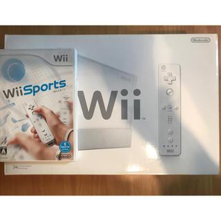 ウィー(Wii)のwii 本体 白とウィースポーツのセット(家庭用ゲーム本体)
