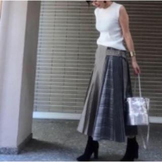 チェスティ(Chesty)のお値下げしました☆ iDea Luce イデアルーチェ プリーツデザインスカート(ロングスカート)