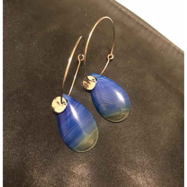 PAPILLONNER(パピヨネ)のパピヨネ PAPILLONNER ピアス ループ 天然石 青 ブルー レディースのアクセサリー(ピアス)の商品写真