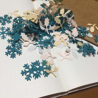 クラフトパンチ 雪の結晶 柊 (ミックス 4色 )130枚