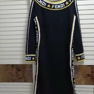 フェンディ(FENDI)のロングニットワンピース  ブラック  フェンディ(ロングワンピース/マキシワンピース)