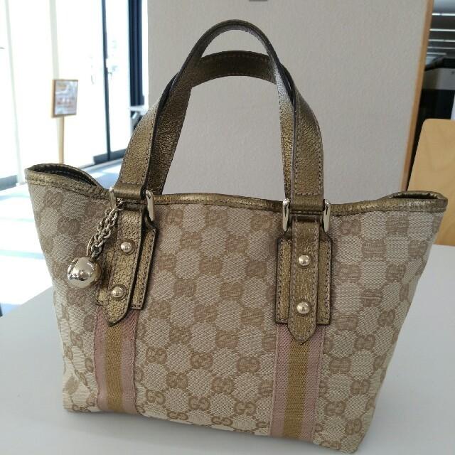 Gucci(グッチ)の【GUCCI】グッチ トートバッグ チャーム付き GUCCI レディースのバッグ(トートバッグ)の商品写真