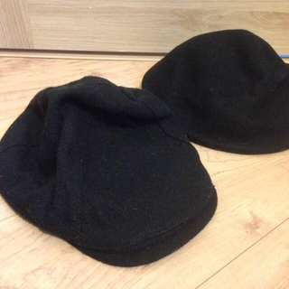 エイチアンドエム(H&M)の黒 帽子 2点セット(ハンチング/ベレー帽)