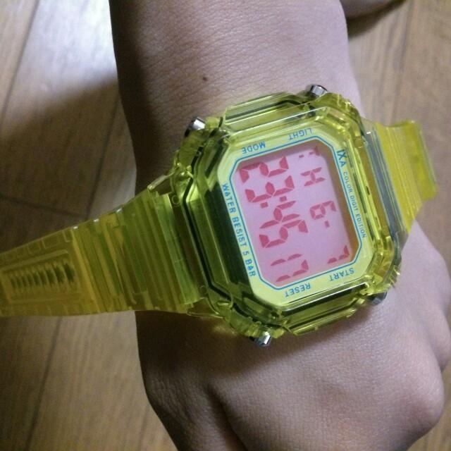 値下げ♪新品 腕時計 スケルトンイエロー レディースのファッション小物(腕時計)の商品写真