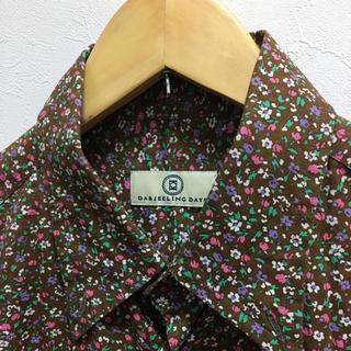 ダージリンデイズ(DARJEELING DAYS)の女性の方でもOK★美品★DARJEELING DAYSシャツ(イタリア製)(シャツ)