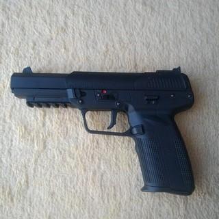 Cyber Gun FN57 リアル刻印(エアガン)