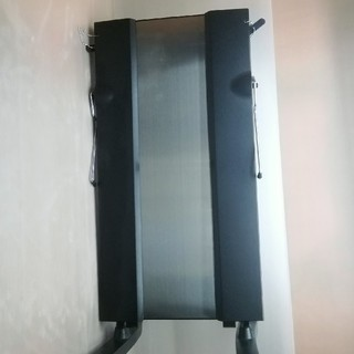 トウシバ(東芝)の東芝 ズボンプレッサー(消臭機能付き)スタンドタイプ ブラック HIP-T100(ズボンプレッサー)
