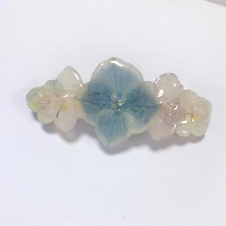 記念セール!淡い紫陽花のバレッタ 8cm(ヘアアクセサリー)