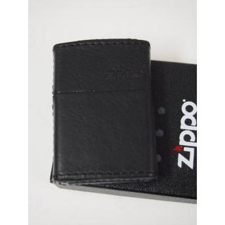 ジッポー(ZIPPO)のZippo 革巻き ジッポーロゴ横(ブラック 黒)ZLGBK プレーン(タバコグッズ)