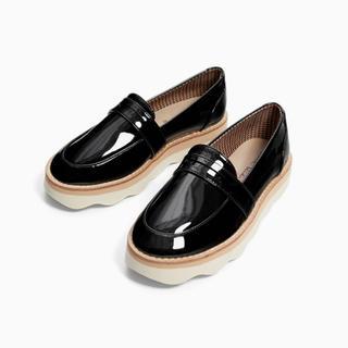 ザラキッズ(ZARA KIDS)のスカラップソール仕様ローファー(ローファー/革靴)