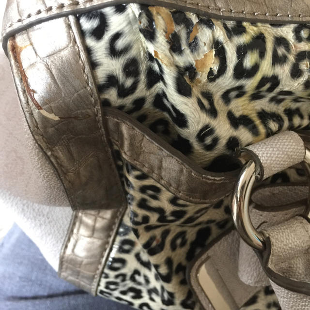 GUESS(ゲス)のGUESS 確認用 レディースのバッグ(ハンドバッグ)の商品写真