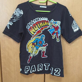 ラフ(rough)の美品 rough Tシャツ アメコミ風 インパクト大(Tシャツ/カットソー(半袖/袖なし))