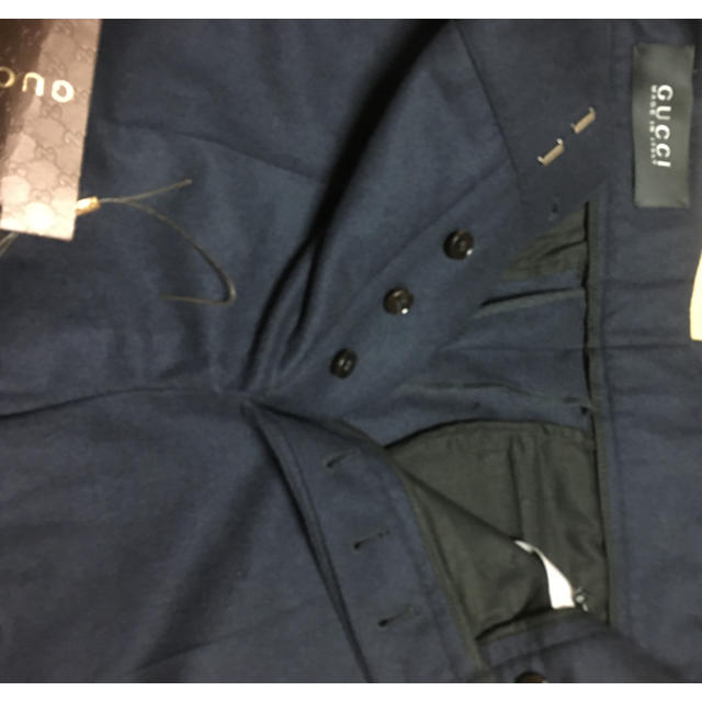 Gucci(グッチ)の12万新品44GUCCI グッチ ㈱ケリング紺ウールロールアップパンツ メンズのパンツ(スラックス)の商品写真