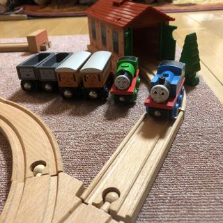 ブリオ(BRIO)のBRIO木製玩具(電車のおもちゃ/車)
