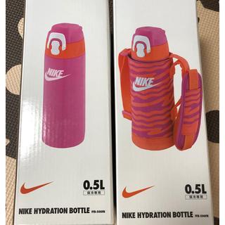 ナイキ(NIKE)のサーモス 新品未使用 子供用水筒 ステンレス水筒 ナイキ 保冷 肩紐付き 値下げ(水筒)
