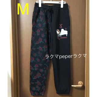 シマムラ(しまむら)の新品 ヨシキティ スウェットパンツ 薔薇 ピアノ M(ルームウェア)