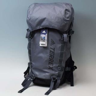 アディダス(adidas)の新品 アディダス テレックス トレイルランニング バックパック リュック(登山用品)