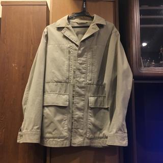 ユニクロ(UNIQLO)のジャケット メンズ ベージュ 大きめ(トレンチコート)