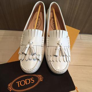 トッズ(TOD'S)のTON様専用●TOD'S トッズ タッセルローファー ドライビングシューズ (ローファー/革靴)