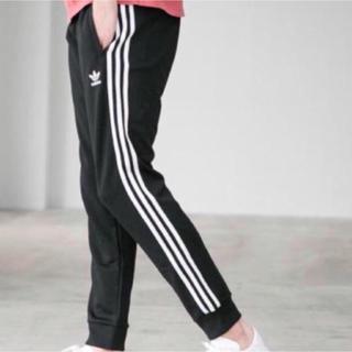 アディダス(adidas)のadidas トラックパンツ(ジャージ)